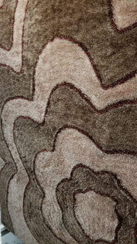 5' X 8'- (GREY AND BROWN FLOWER SHAG)- AREA RUG