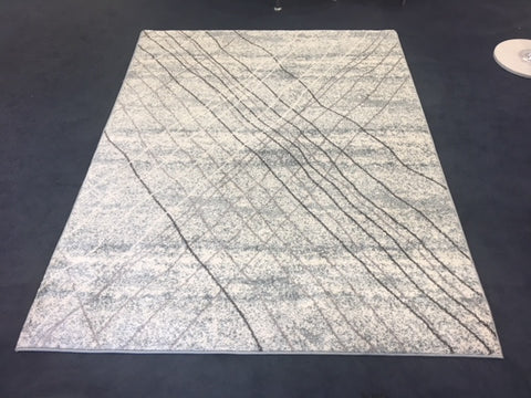 5' X 7'- (PARK LANE GREY LINES)- AREA RUG