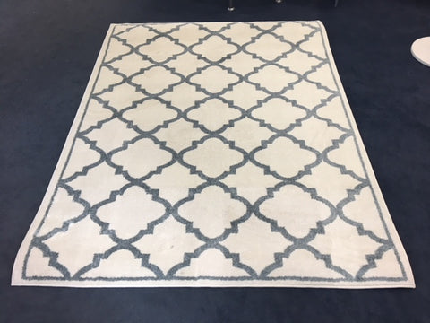 5' X 7'- (PARK LANE IVORY)- AREA RUG- will be available after may 25, 2020