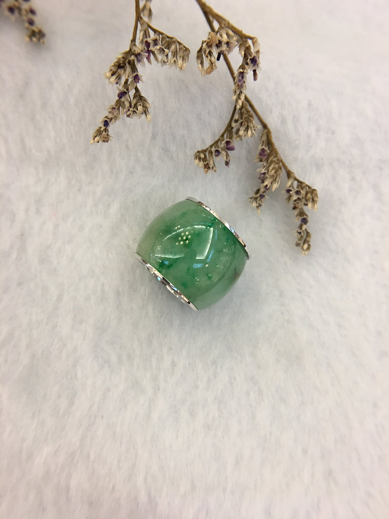 Green Jade Barrel Pendant (PE324)