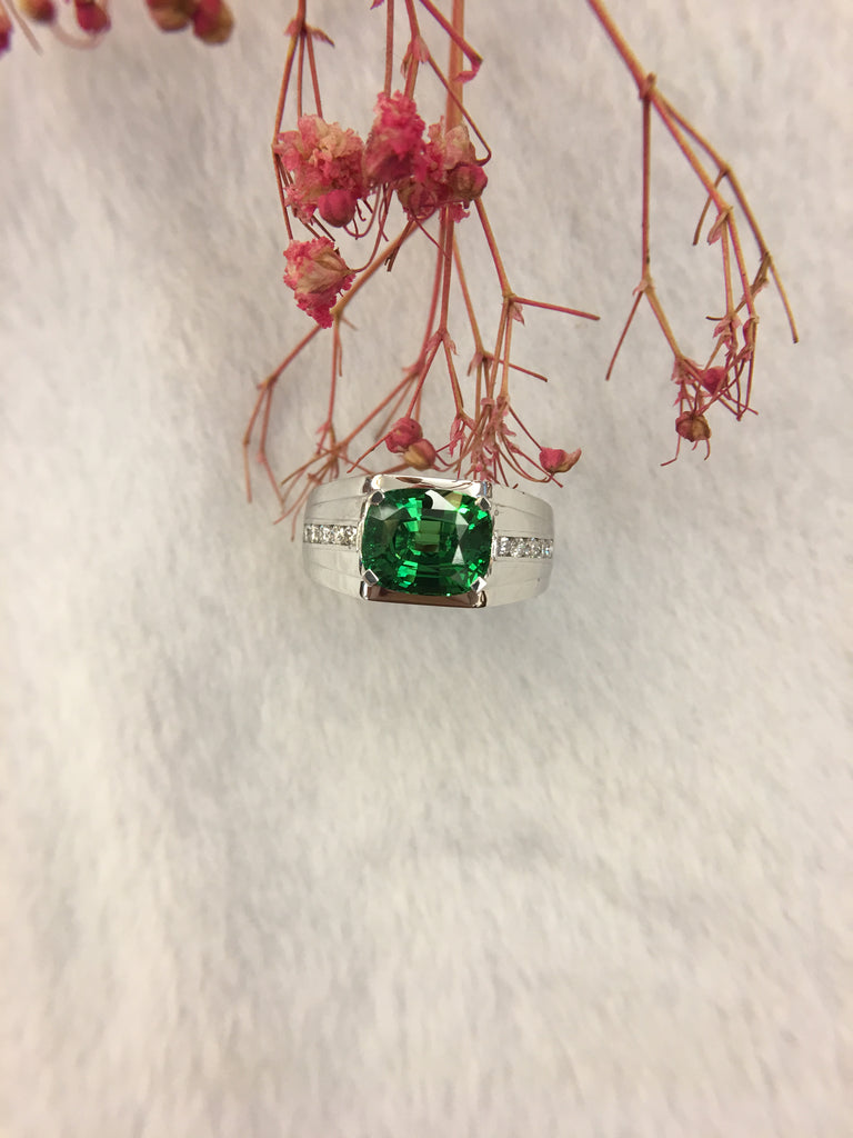 Vivid Green Tsavorite Ring
