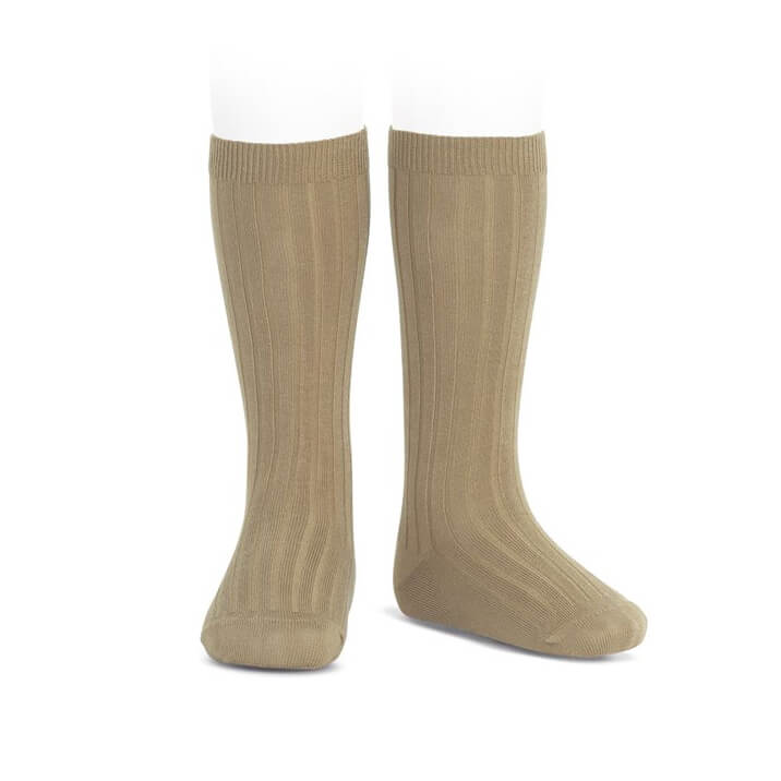 Wide Ribbed Cotton Knee Socks in Rope by Cóndor - Junior Edition