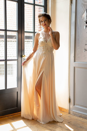 A Touch Of Magic Dress - Champagne