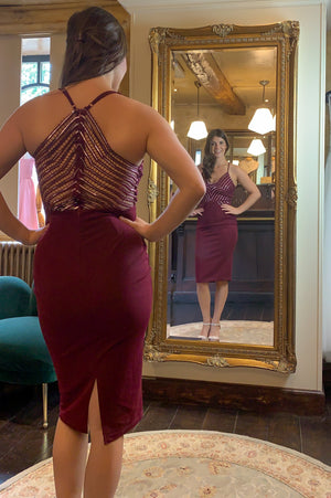 Figure Flaunting Dress - Bordeaux