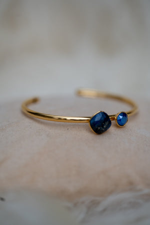 Pretty Bracelet - Bright Blue Lazuli & Crystal