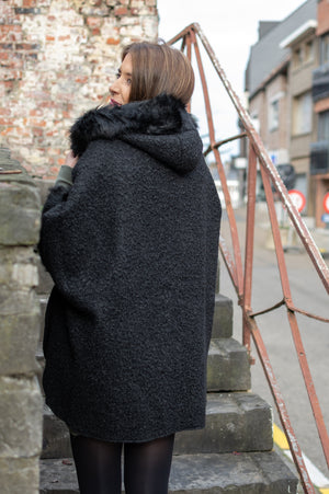 Pretty Poncho - Black