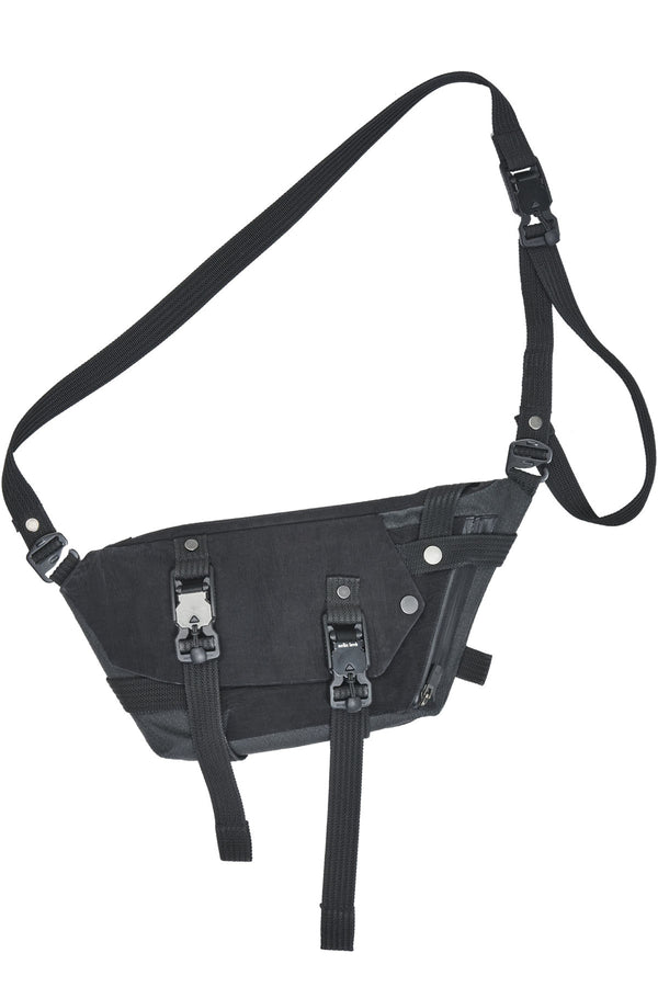 erein nylon metal / kevlar crossbody bag