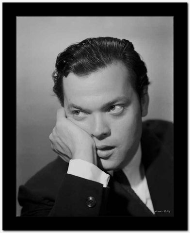 Orson Welles Leaning Chin On Hand in Classic High Quality Photo