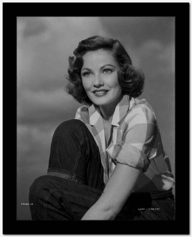 Gene Tierney Posed with Cloud as Background High Quality Photo