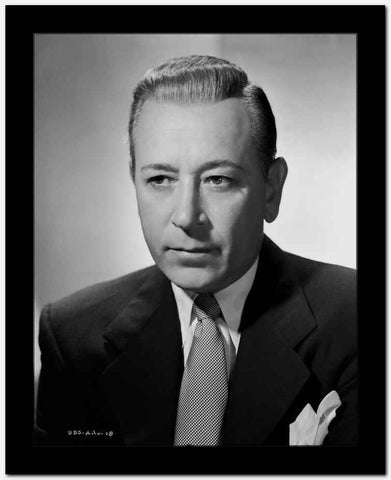 George Raft Posed in Suit with an Expressionless Face High Quality Photo