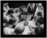 Paul Newman Dying With Group of People Black and White High Quality Photo