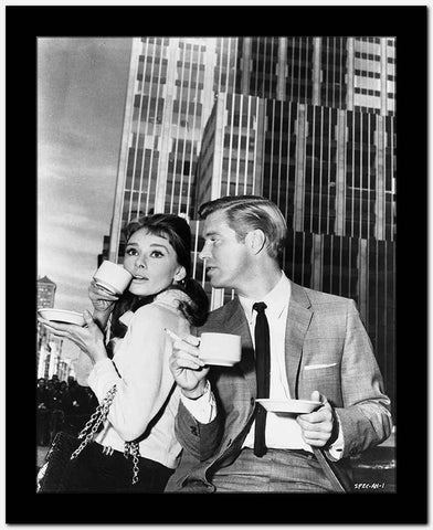 Audrey Hepburn and George Peppard Breakfast at Tiffany's Movie Scene - P...