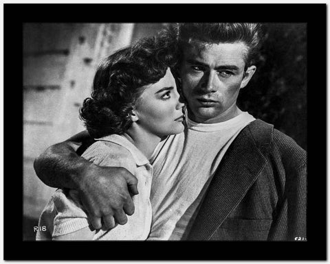 James Dean Hugged the Woman to His Chest Tight in Black Linen Suit and Round Neck White Shirt High Quality Photo