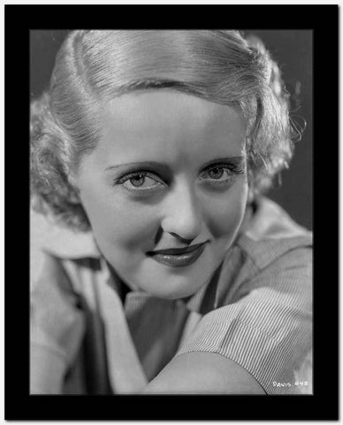 Bette Davis Close Up Portrait in White Long Sleeve Ribbed Linen Shirt High Quality Photo