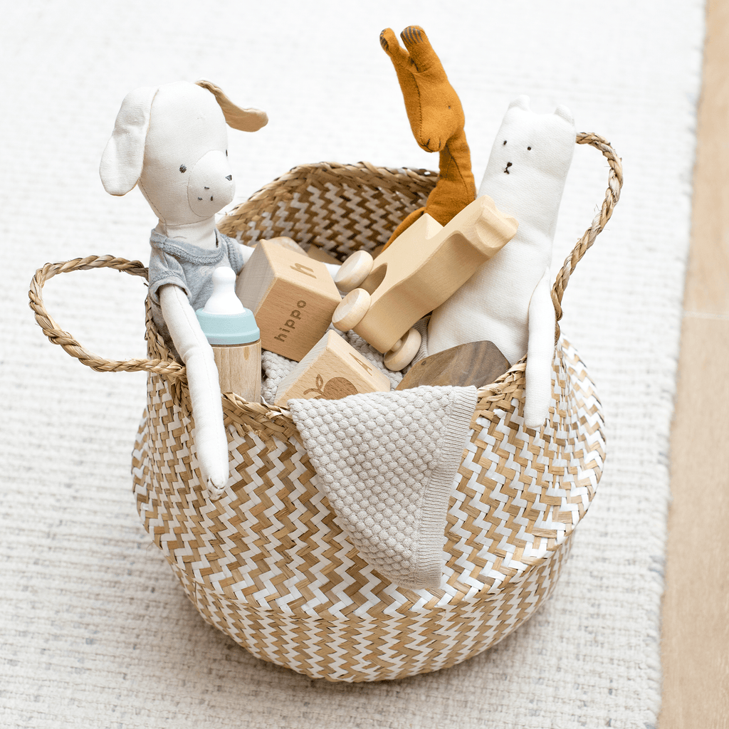 Natural & White Seagrass Basket