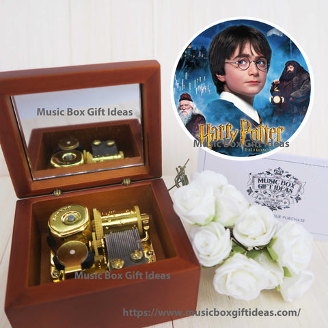 Harry Potter Hedwig's Theme Soundtrack 18-Note Music Box Gift (Wooden Clockwork) - Music Box Gift Ideas