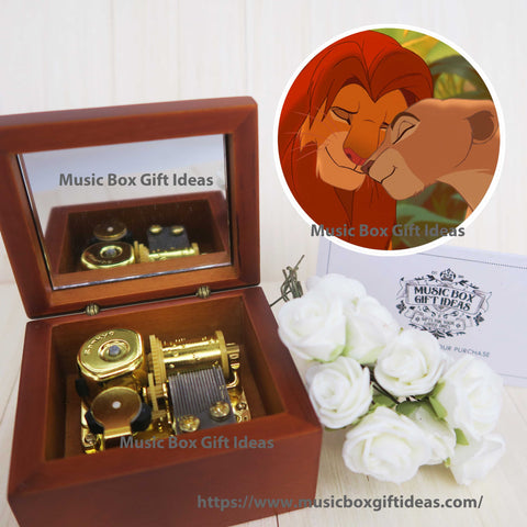 Disney The Lion King Can You Feel The Love Tonight 18-Note Music Box Gift (Sankyo Wooden Clockwork) - Music Box Gift Ideas