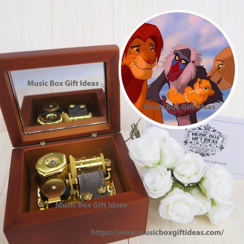 Disney The Lion King Soundtrack Circle of Life Simba 18-Note Music Box Gift (Wooden Clockwork) - Music Box Gift Ideas