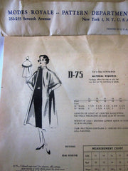 Modes Royale D-75 Unlined 50s Cape Coat Sewing Pattern Bust 30 - Great Sewing Patterns - 4