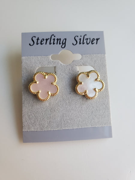 Mother of Pearl Clover Clip Earrings - White  - Gold -Medium