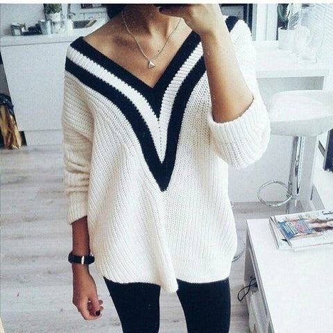 LONG-SLEEVED V-NECK BAT SLEEVE SWEATER