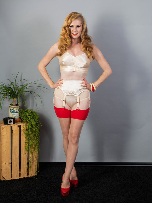 Seamed Stockings Red Glamour H2039