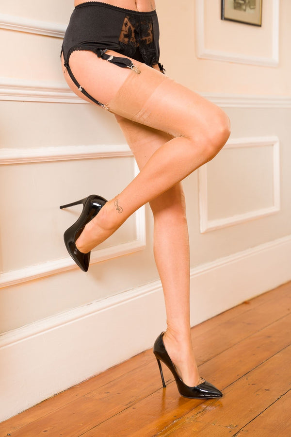 Gio Fully Fashioned Stockings - Point Heel, Natural