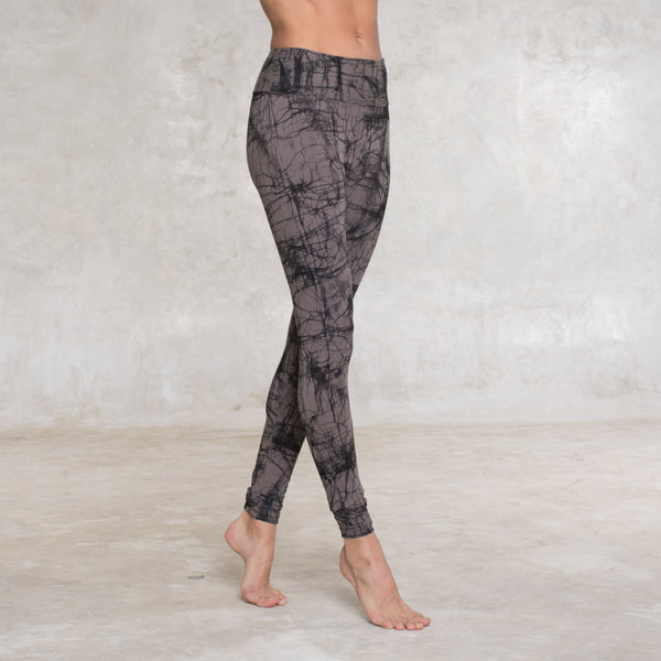Bamboo leggings hand dyed using a traditional batik technique. Bamboo Lycra (90% Certified Oeko-tex Bamboo / 10% Lycra). Hand dyed with non toxic dye. Slow and sustainable fashion.