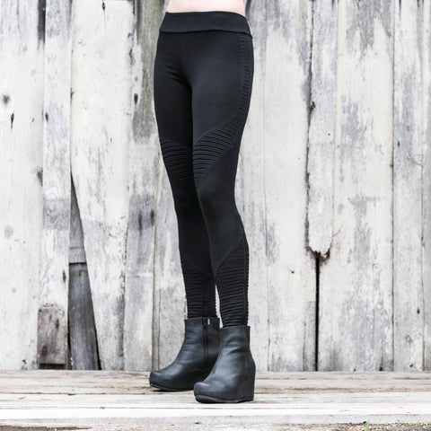The Rider pants, urban take on the yoga pants. Comfortable & full length, made of high quality cotton lycra. Sustainable & eco-friendly fashion.