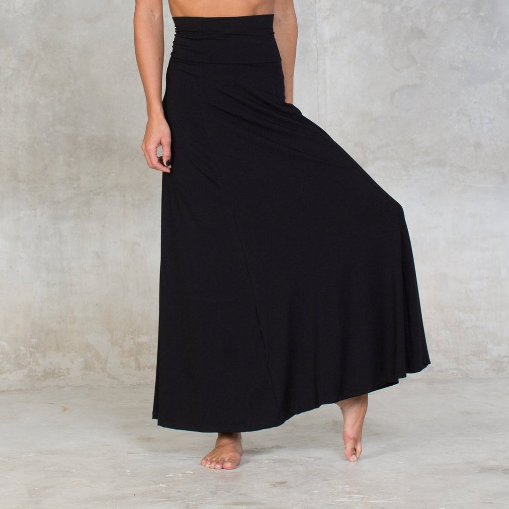 High waisted maxi skirt.  Cut on a wide circular flare, the skirt features a wide waistband which can be folded over for a low waist fit. Can also be worn as a dress and is suitable for all occasions. Made of certified Oeko-Tex Standard 100 Bamboo with lycra. Slow and sustainable fashion.