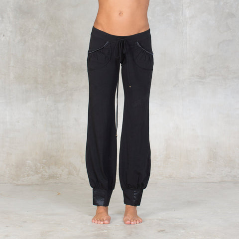 These pants are the perfect pants for yoga practice or lazing around the house. Cotton Lycra ( 90% Cotton / 10% Lycra ). Slow and sustainable fashion.