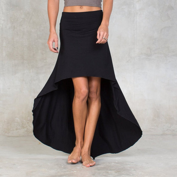 Soft high low skirt made of certified Oeko-Tex Standard 100.  Featuring a large banded waist, a high-low cut & pull-on construction.  Can be worn high waisted or folded over for a low waist fit. Slow and sustainable fashion.