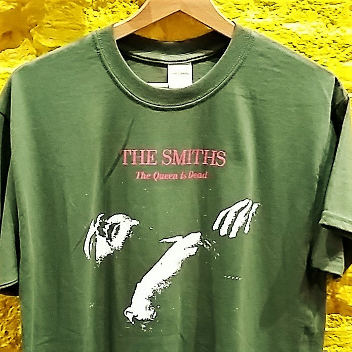 "SMITHS - ""QUEEN IS DEAD"" logo T-SHIRT *** ALL SIZES AVAILABLE ***"