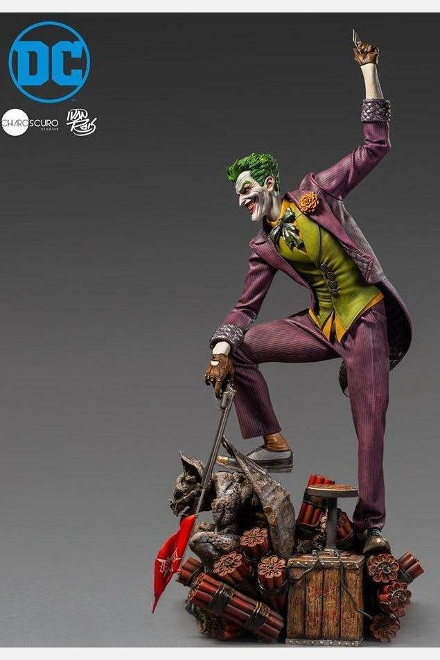 The Joker: 1/3 Prime Scale: Ivan Reis: DC: Statue-(1/3) Third Scale-Iron Studios-Planet Action Figures