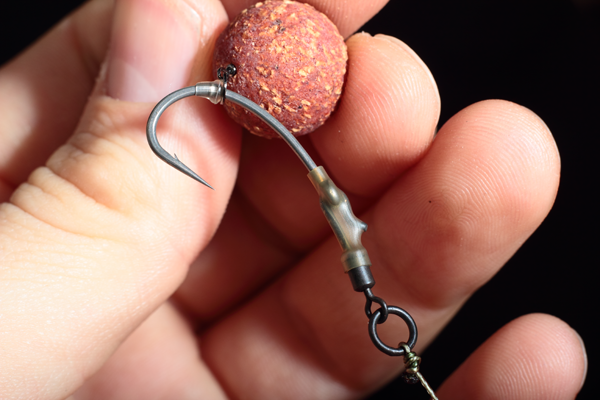 Attach your chosen hookbait to your Ronnie Rig