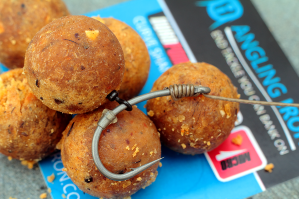 The German Rig - Size 4 Duropoint Curve shank hook and wafter hookbait