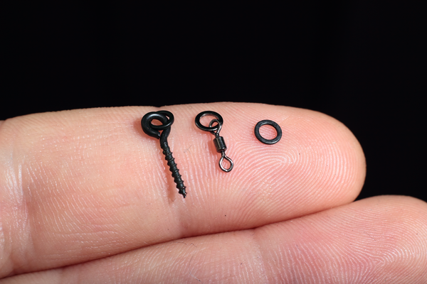 Choose your bait mounting option, Bait screws are convenient and great for harder baits like tigernuts. Micro ring swivels offer unparalleled hookbait movement