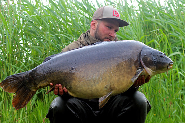 A cracking leathery mirror for liam