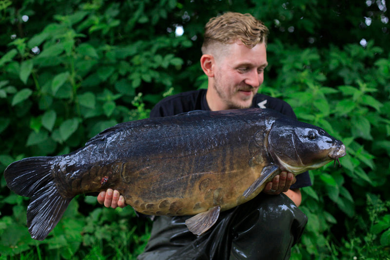 James Barrett - linch hill christchurch 29.08 mirror - Angling Iron DUROPOINT