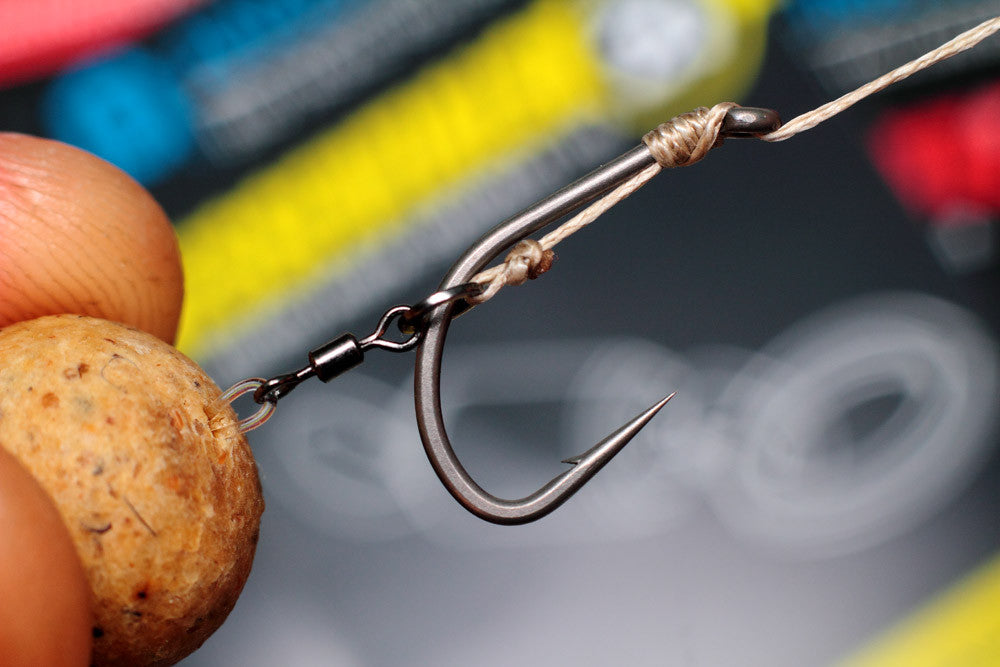 How to tie a Combi rig: attach your bait to the micro hook ring swivel with a doubled over length of flurocarbon