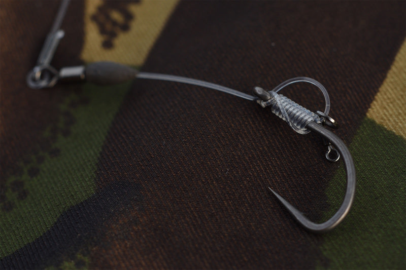 Hinged stiff rigs, ronnie rigs, chod rigs are great rig choices for use on a helicopter setup