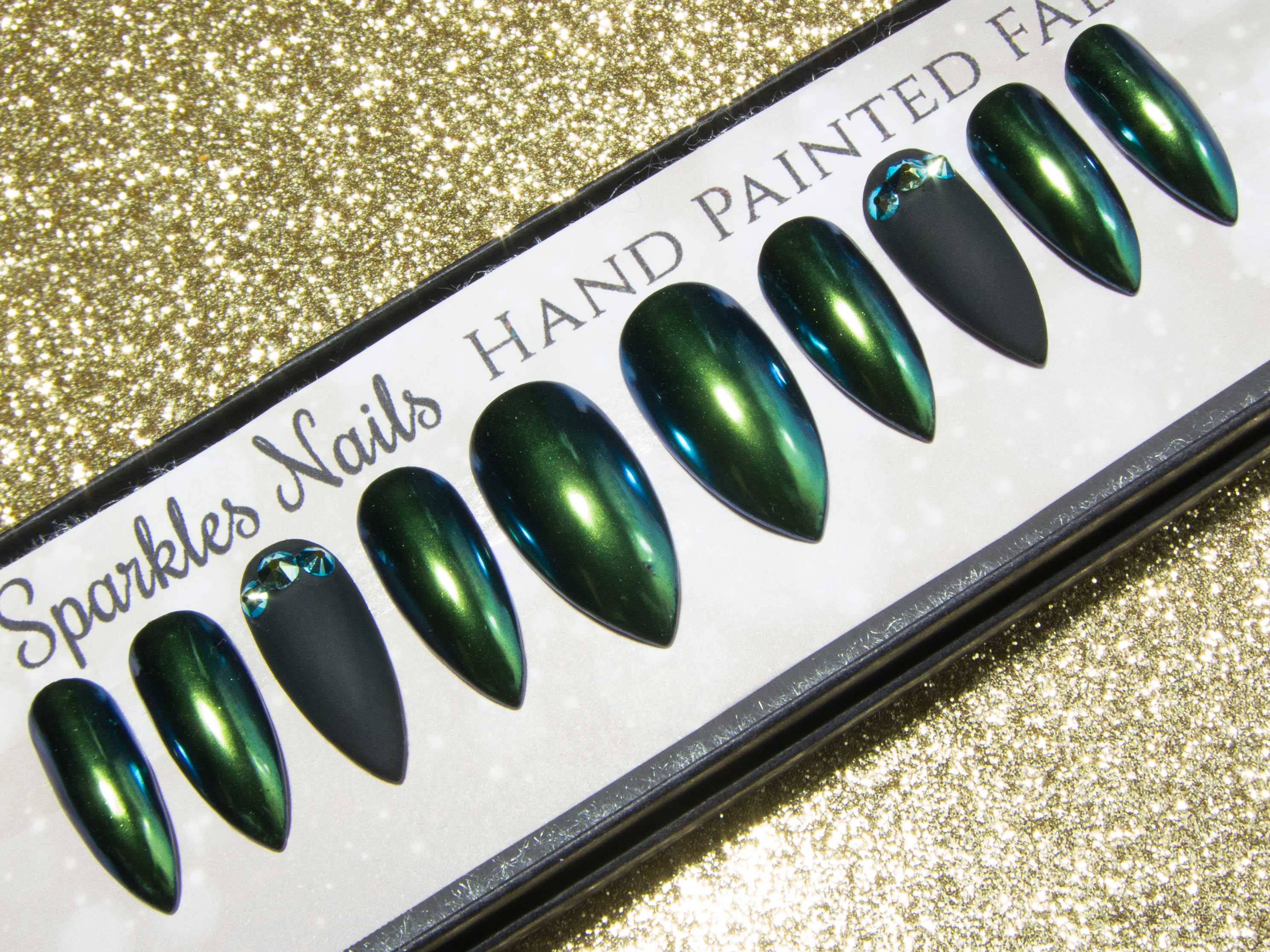 """Dargona Dragona"" - Green Chameleon Chrome & Black False Nails"