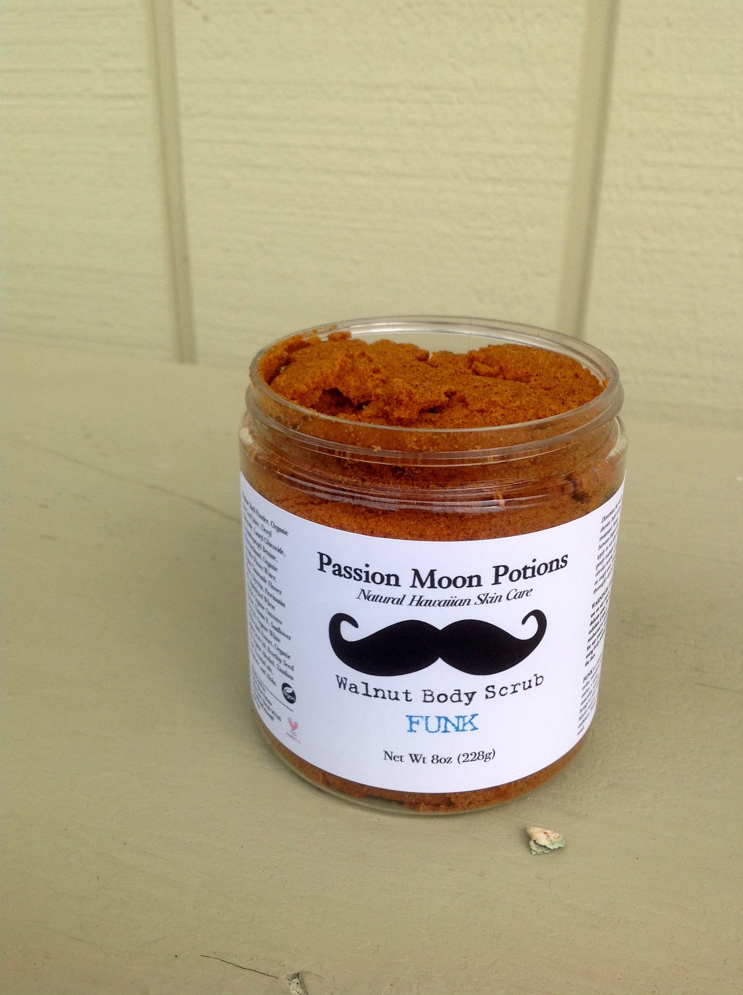 Walnut Body Scrub For Men