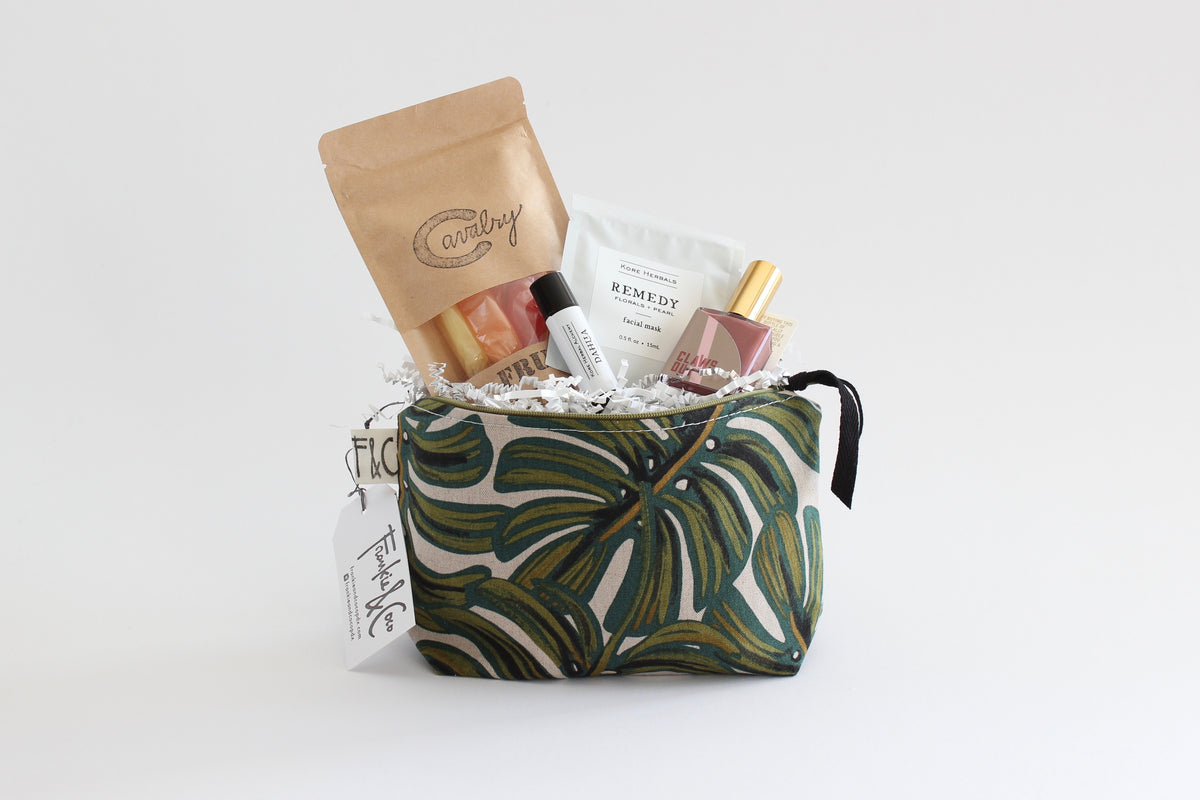 Monstera Makeup Gift Bag