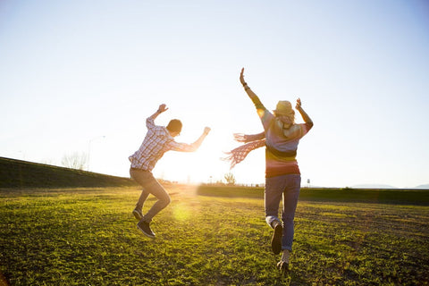 5 WAYS TO LIVE A HAPPIER, HEALTHIER LIFE