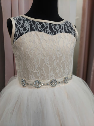 Rosebuds 5129 Size 6 Long Tulle Flower Girl Ballgown Dress Lace Bodice Belt
