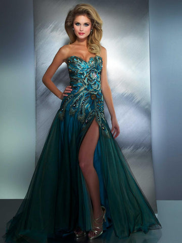 Mac Duggal 42660 is a stunning Peacock Inspired Long Formal Pageant & Prom Gown. Even Great for Fun Parties & Formal Events. Strapless sweetheart neckline with a fitted bodice & a flared skirt with a slit. layers of tulle make up the lush skirt with sweeping train.   Available Size: 12  Available Color: Peacock