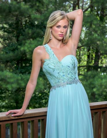 Vienna 8189 in Aqua size 2 Prom Dress Pageant Gown