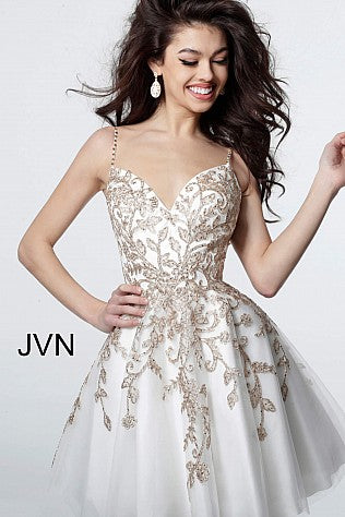 JVN3906 This is a short fit and flare tulle cocktail dress with gold thread embellished appliques that feature spaghetti straps and v neckline.