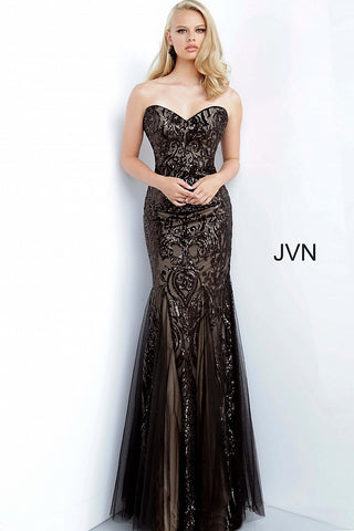 JVN 00954 Is a Stunning Sequin Embellished Sweetheart Neckline Mermaid Silhouette Prom Dress. Detailed Tulle accents along the skirt are a nice touch on top of the Damask Print Sequin Bodice! Stunning!